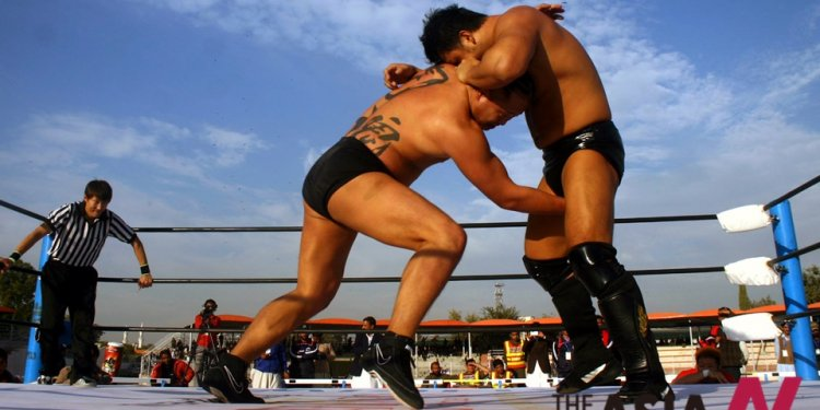 Japanese wrestlers compete